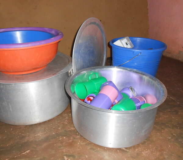 KITCHEN POTS AND MORE 1